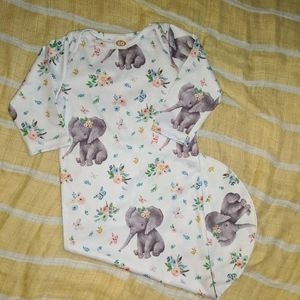 Baby boutique gown size 60 (3-6 mos )